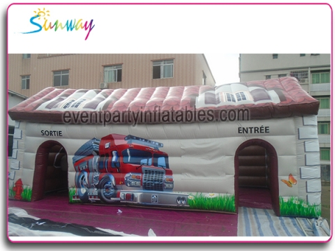 Inflatable fire-fighting house