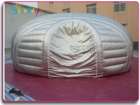 Silver pod with movie screen SI-040