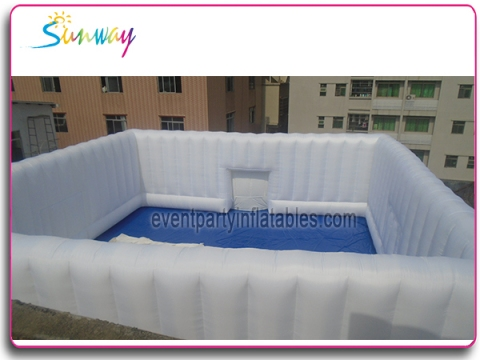 Inflatable square wall