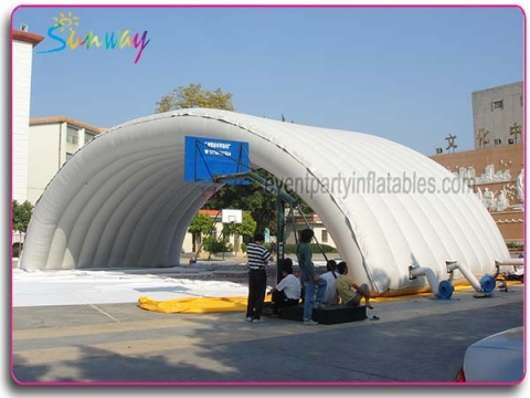 Inflatable giant tunnel